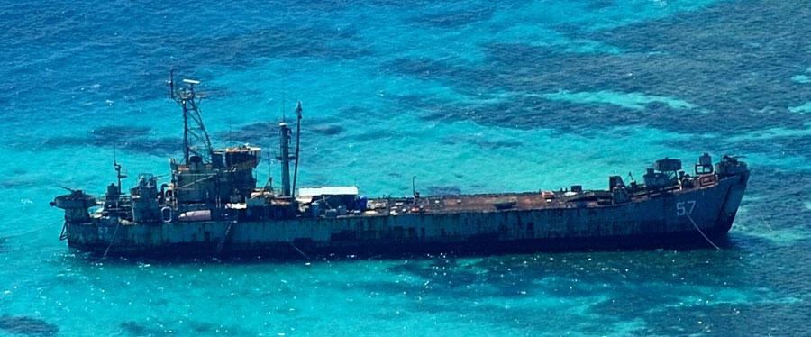 中国直升机航拍仁爱礁菲登陆舰