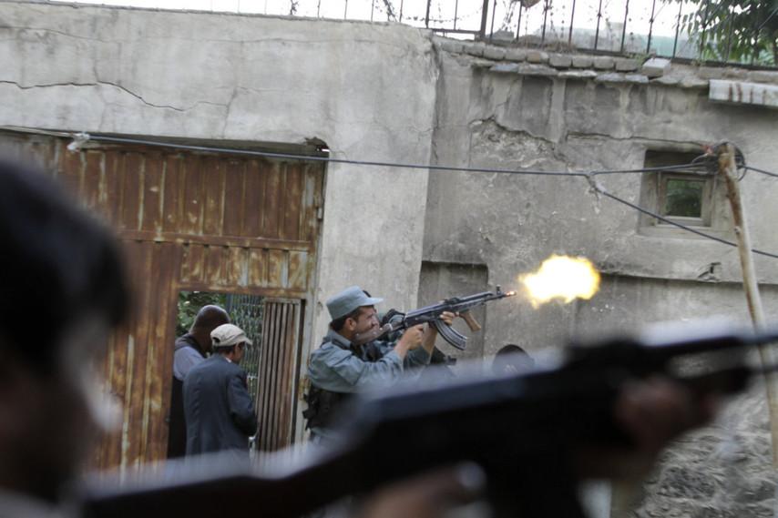 阿富汗 喀布尔 首都 袭击 塔利班/塔利班袭击阿富汗首都街头大战(1/12)