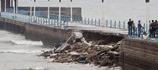 青岛栈桥因暴雨坍塌