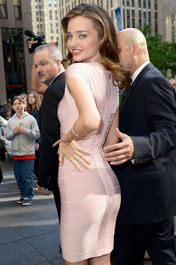 米兰达·可儿6月4日纽约街拍图片