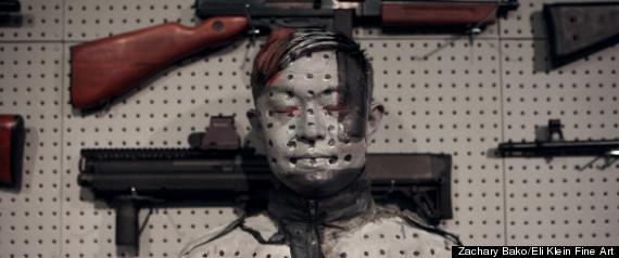 """隐形人""""新作《枪架》呼吁对枪控问题思考_博览 ..."""