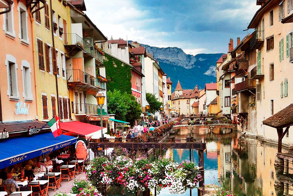 旅游胜地:盘点法国十大浪漫城镇 畅游中世纪街...