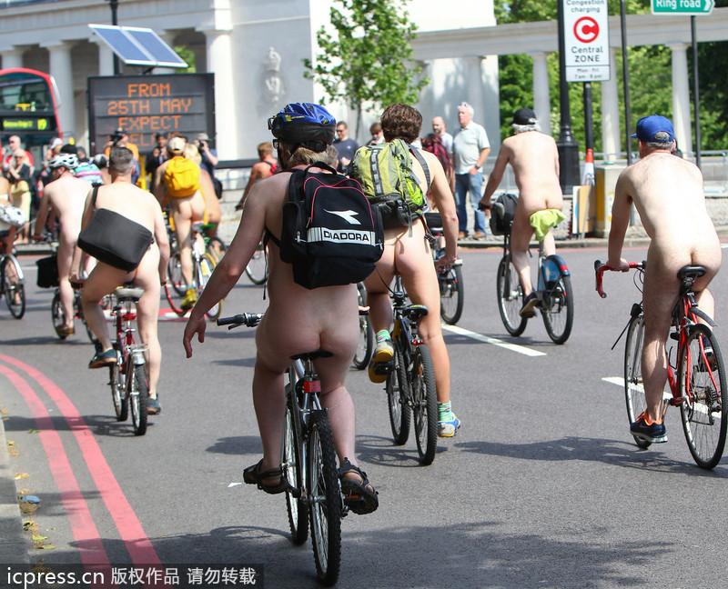 伦敦举办年度千人裸骑活动_图片_环球网