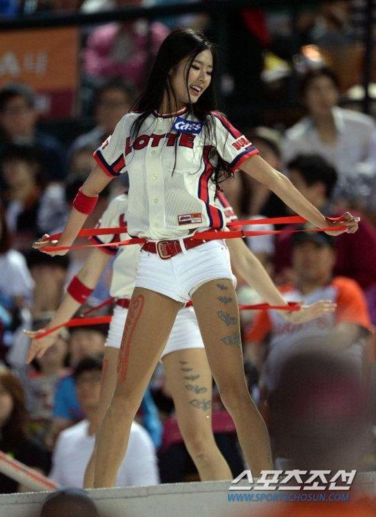 韩国 诱惑 棒球/韩国棒球女郎热裤劲舞(12/40)