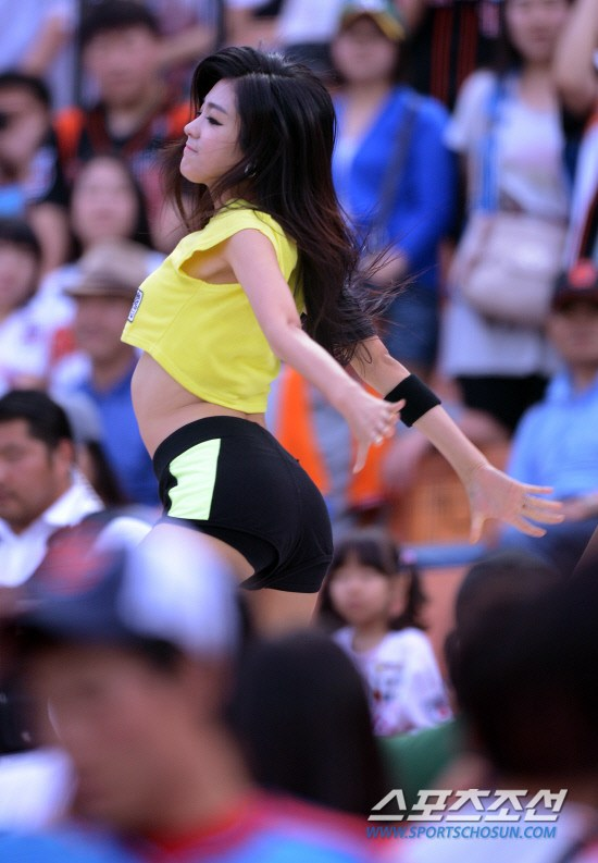 韩国 性感/韩国棒球女郎热裤劲舞(38/40)