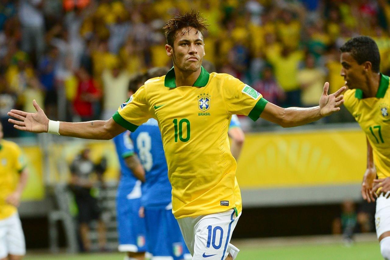 完胜 巴神 巴西4比2意大利图片