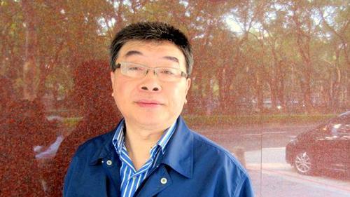 邱毅:两岸签服务贸易协议对台湾有四大好处