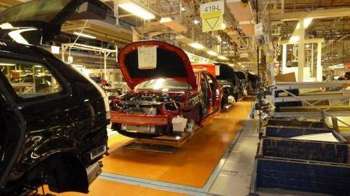 瑞典投产萨博汽车.瑞典国家电动车公司与一家中国投资公司签高清图片