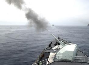 中俄军演零距离:116舰主炮开火对靶猛轰