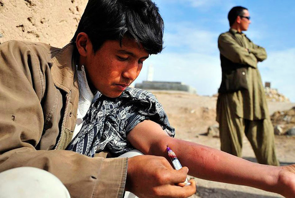 阿富汗:毒品困扰的国度
