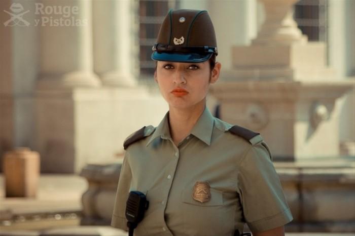 :    以下照片是智利女警察的日常工作照,可以看到,智利女警队伍
