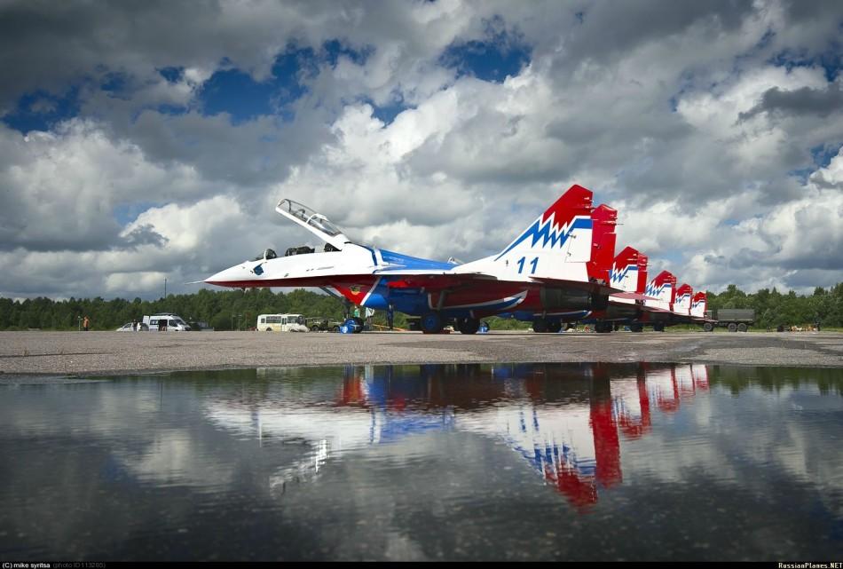 "Escuadrilla acrobatica ""Caballeros Rusos"" 20130717094141779"