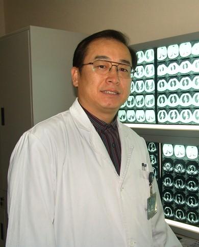 杨跃   北京肿瘤医院胸外科主任医师 教授