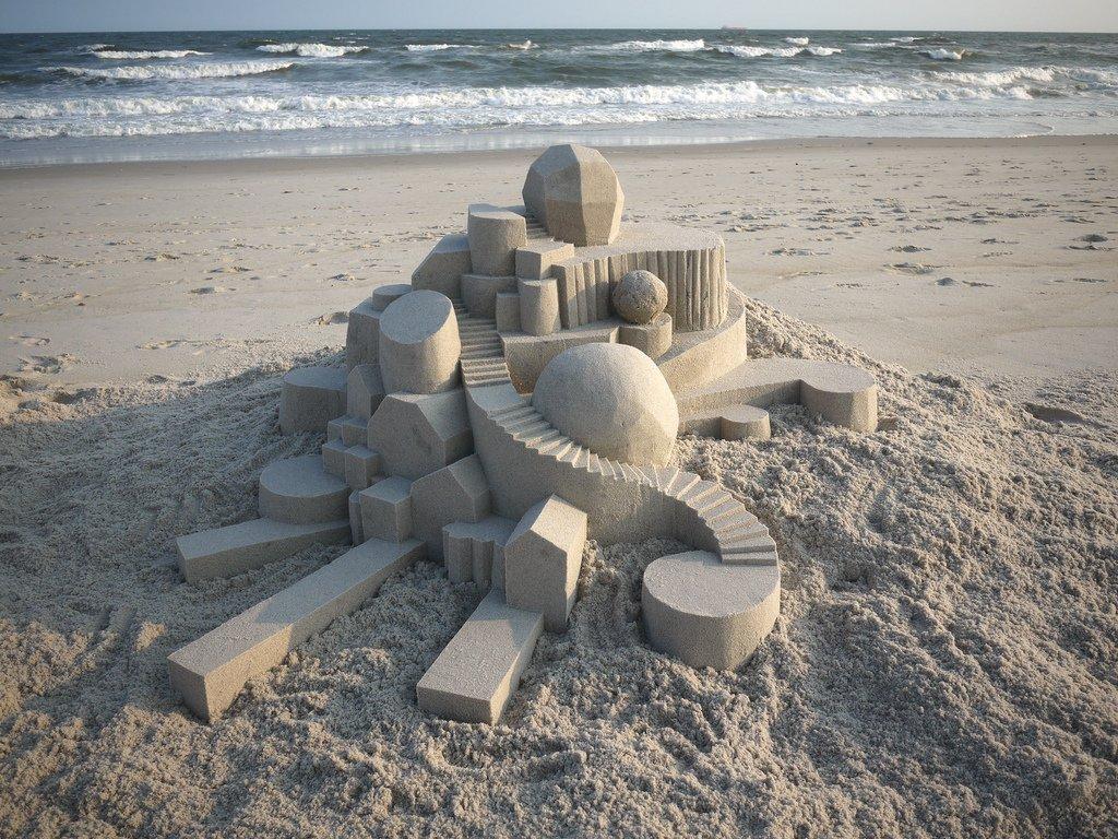 三角形、圆形、正方形和长方形的几何城堡,其创意与造型都格