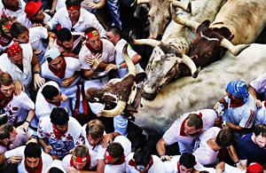 纪实摄影:西班牙奔牛节