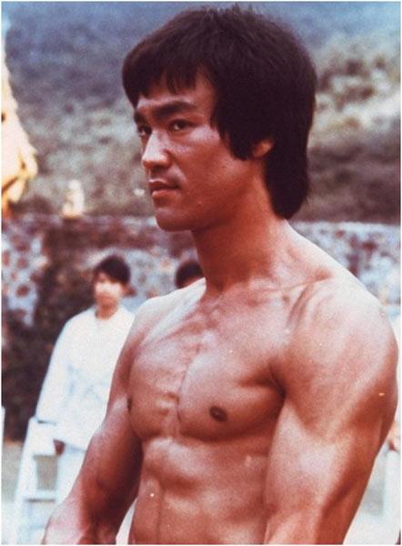 巨星李小龙逝世40周年 在香港举办纪念展