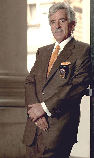 法律与秩序 警探丹尼斯去世 享年69岁