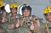 巴基斯坦军队女伞兵不多见