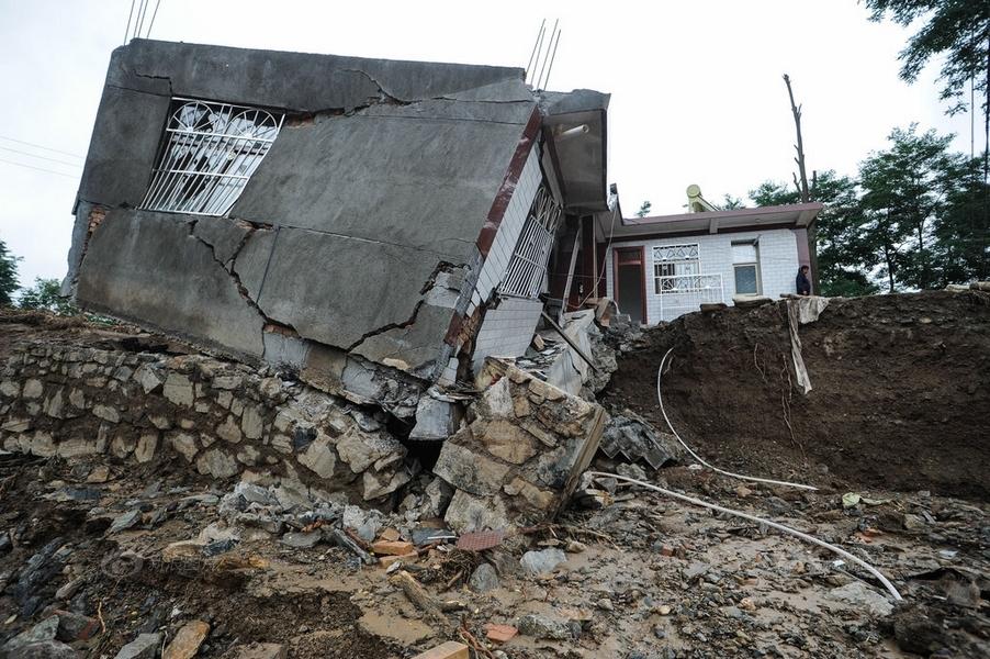 天水泥石流已致22人死