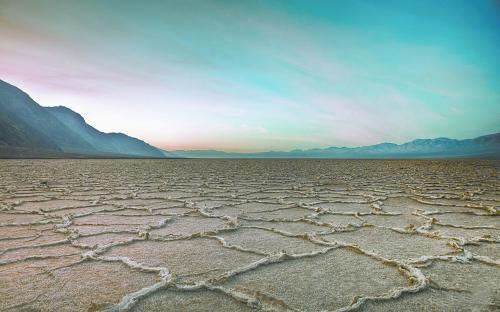 图片说明:加州死亡谷景观。