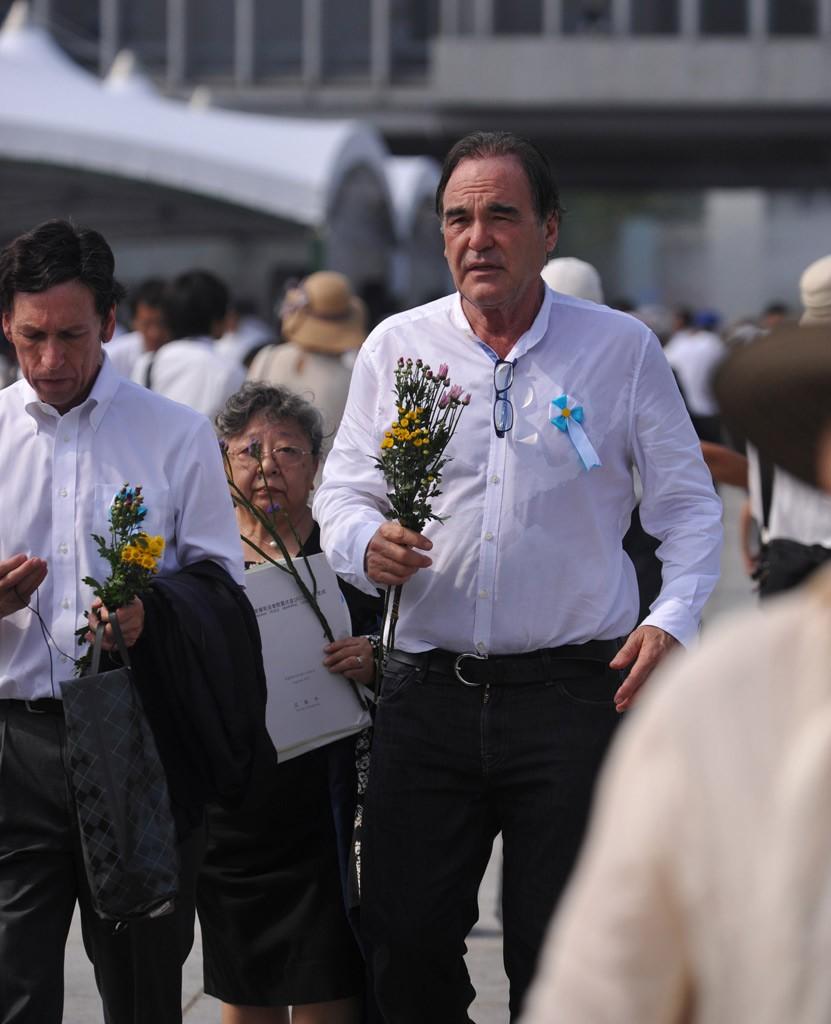 中国 郑州/日举行核爆68周年纪念仪式 安倍携美大使出席(8/14)