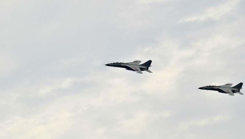 我军飞豹战机最美飞行姿态