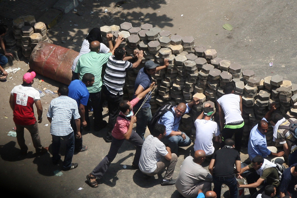 埃及警方清场200人被捕 伤亡数字说法不一【组图】 - 春华秋实 - 开心快乐每一天--春华秋实