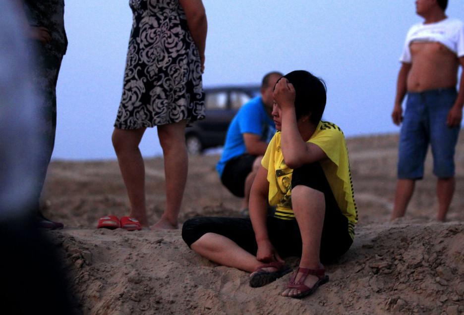 落水少年的父亲铁先生说,孩子今年14岁,上初二.他说,开挖新河图片