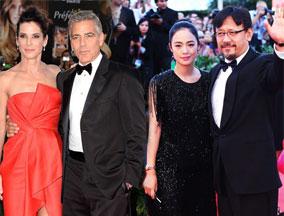 第70届威尼斯电影节开幕 姜文携爱妻亮相红毯