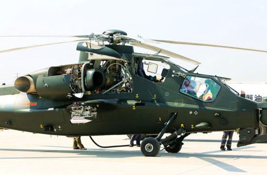 武直-10发动机舱盖敞开 内部结构曝光