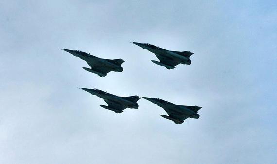 巴首次在中国领空参加空战演习 幻影战机亮相