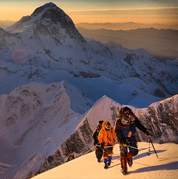 社会资讯_十张令人惊叹的登山摄影图_旅游_环球网