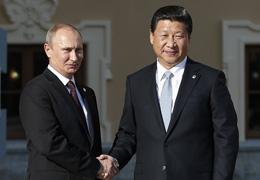 习近平抵达圣彼得堡出席二十国集团领导人第八次峰会