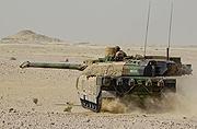 法军主战坦克横行沙漠无人可挡