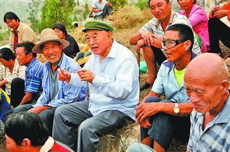 一方金印在民心:唐庄镇吴金印践行群众路线事迹