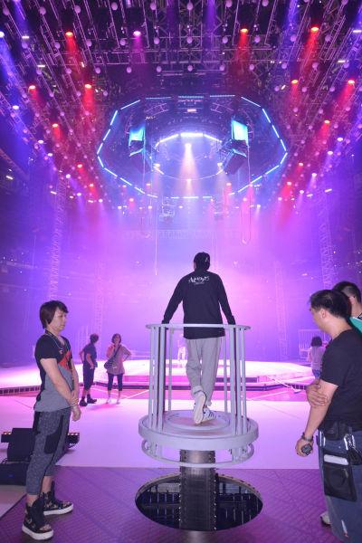 刘德华上海个唱彩排照曝光 场地布满机关