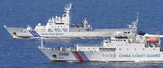 日媒直击中日船只在钓鱼岛海域一对一较量(图)