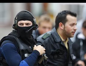 德国被劫持人质获救 默克尔竞选活动受影响