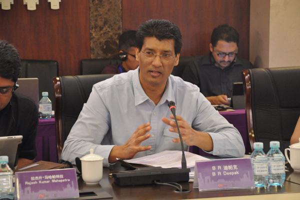 尼赫鲁大学中国及东南亚研究中心教授迪帕克在论坛中发言