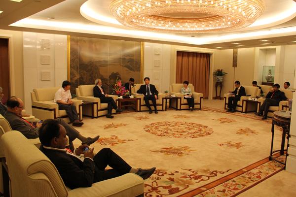 外交部副部长翟隽、亚洲司副司长杨健会见印方代表