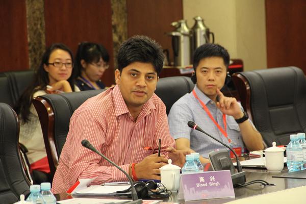 北大南亚研究中心讲师比诺德•辛格在论坛中发言
