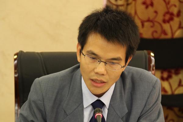 中国国际问题研究所南亚研究中心副主任蓝建学在论坛中发言