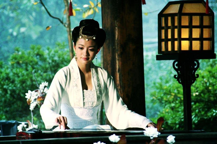 """安以轩,著名台湾影视演员。却常年在内地拍戏,被誉为""""横店公主""""。其出演的古装剧最多。从《仙剑奇侠传》的林月如,其塑造了一个又一个经典古装角色,下面小编就带你一起盘点一下安公主那些唯美的古装扮相。"""