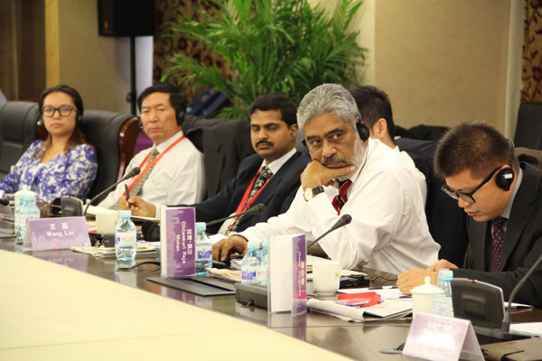 印方媒体代表在论坛中