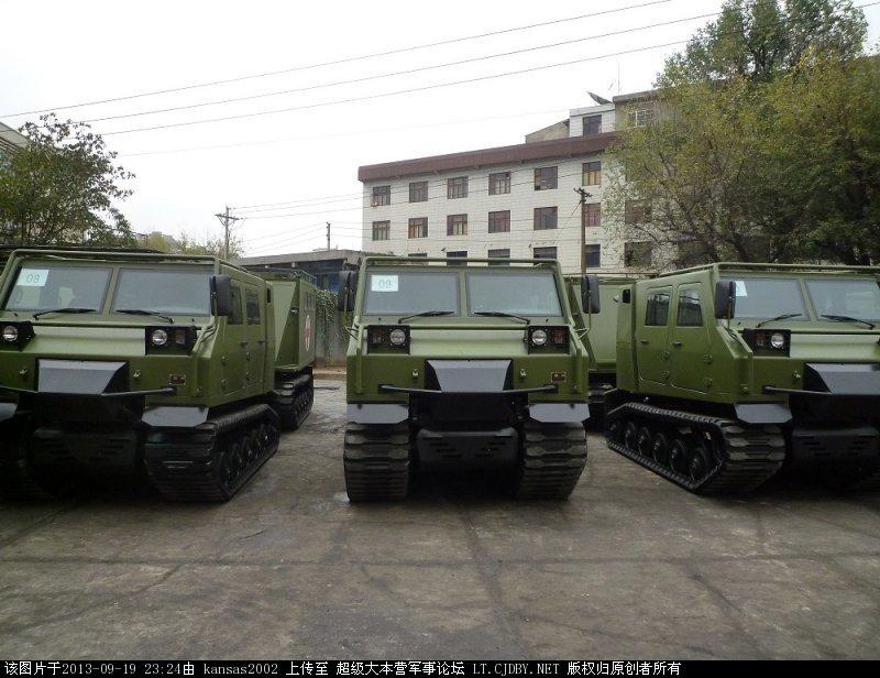 解放军大量新型全地形车现身
