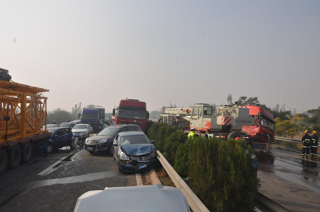 ... 交通事故图片特大交通事故图片交通事故最恐怖图片