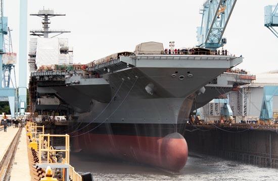 界最强航母美国福特号下水-国际军事图图片