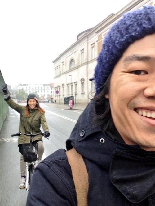 李孝利与丈夫李尚顺欧洲自行车约会