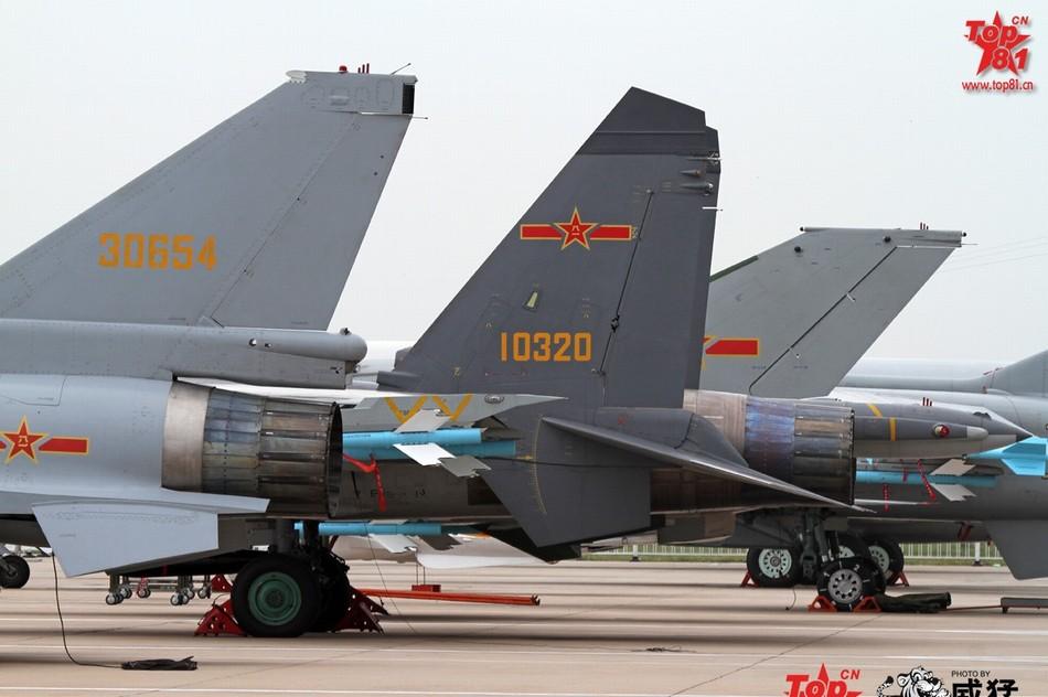 歼10发动机_歼-11换装太行发动机前后对比_军事_环球网