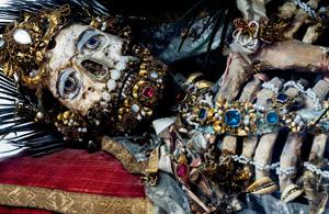 纪实摄影:被遗忘的圣骨